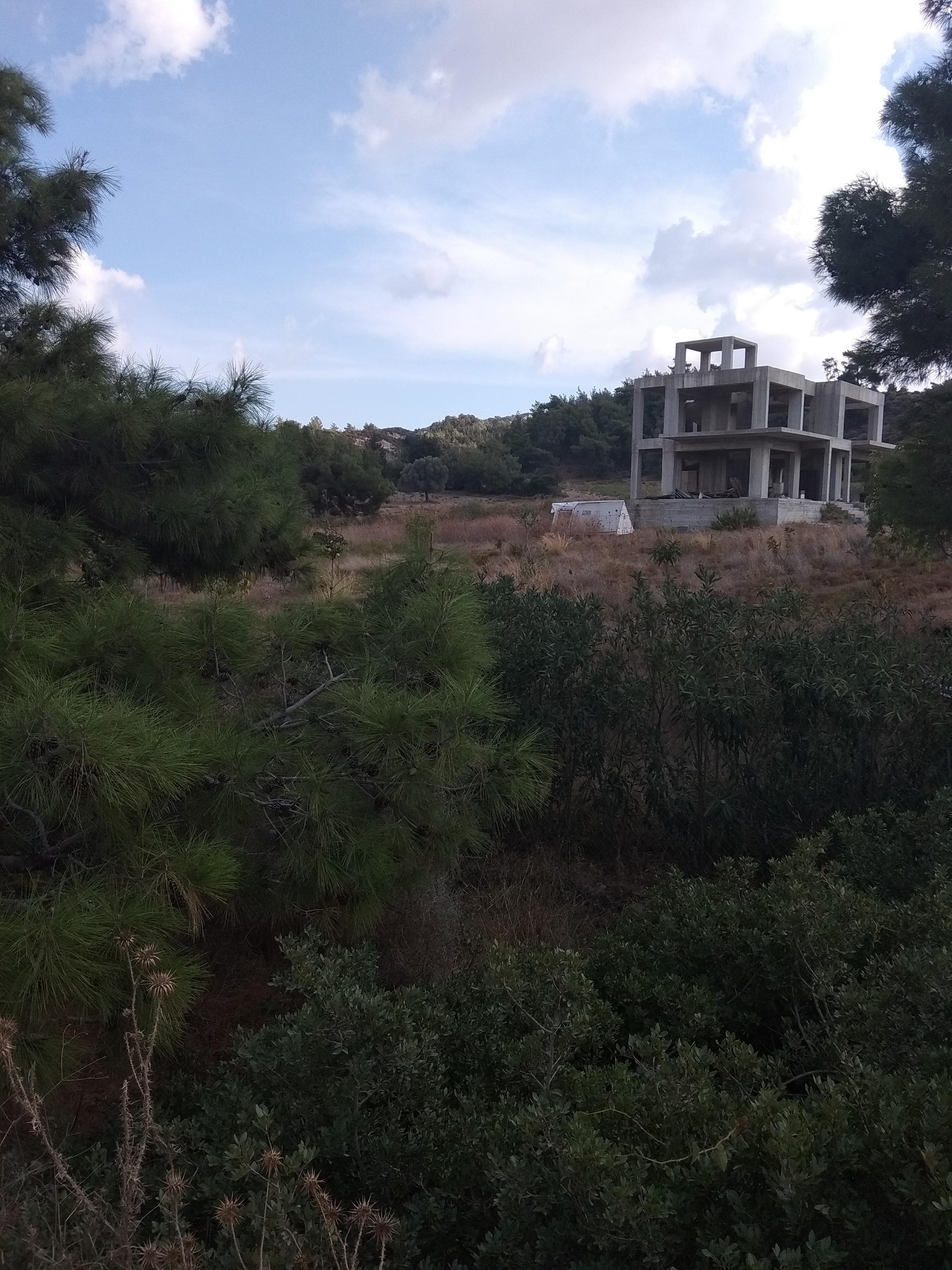 Μονοκατοικία στα μπετά  σε οικόπεδο 6,5 στρεμμάτων , Παστίδα Ρόδου, KAS-58327