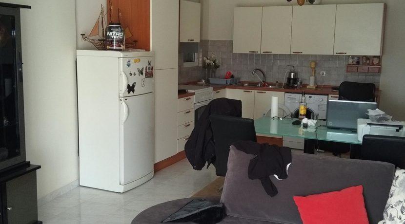 διαμέρισμα ημιυπόγειο κόνσολας και διαμερισμα μπέρδη 013